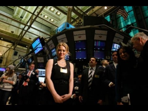 Warren Buffett on Derivatives & the Economic System: Financial Crisis & the Stock Exchange