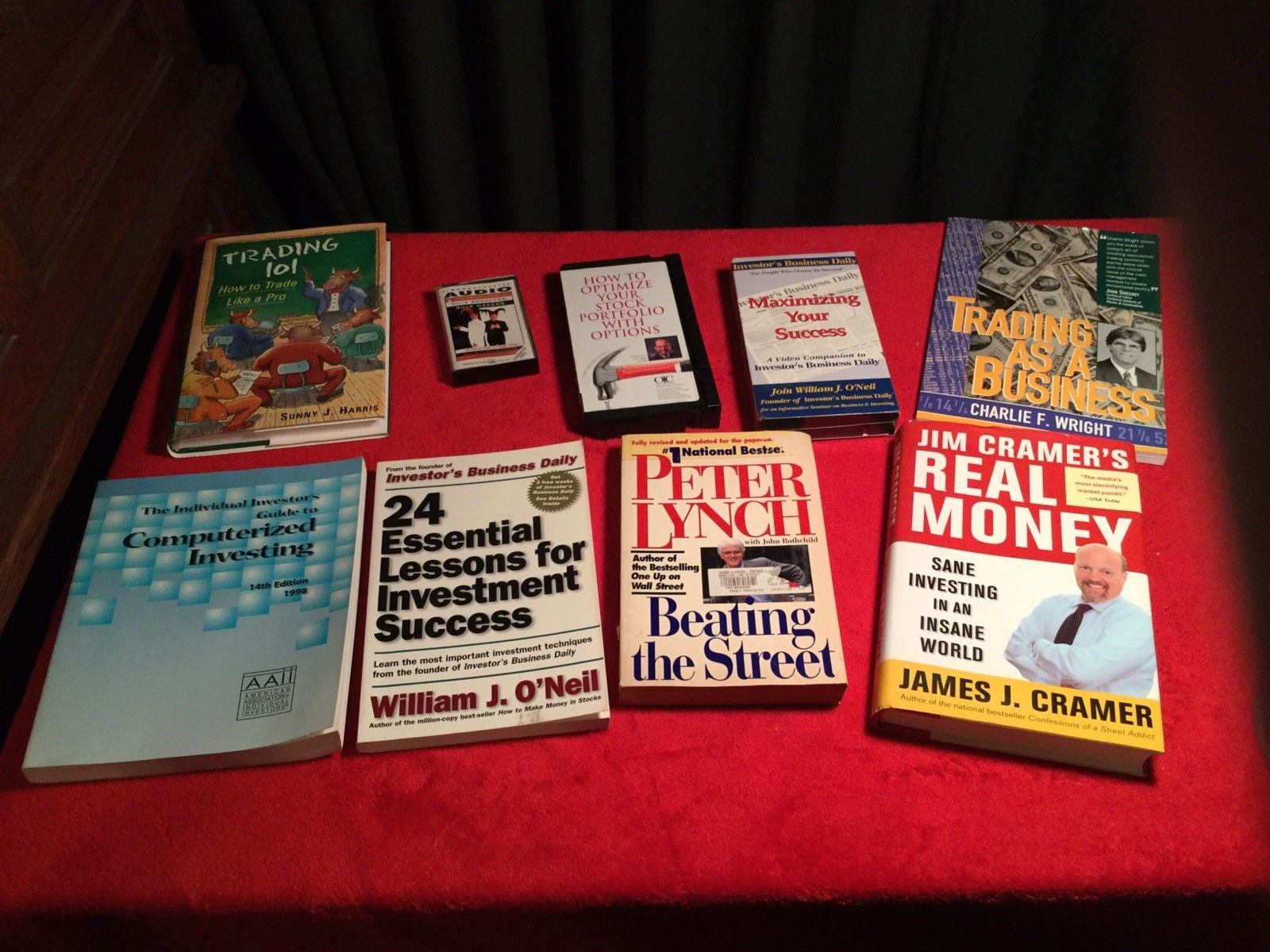 Stocks, Trading and investment books,VHS tapes, cassette. Cramer, Lynch, O'Neil